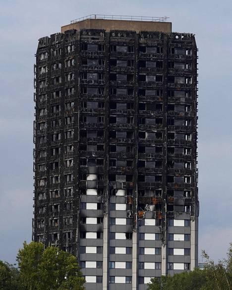 Tornitalo paloi luurangoksi kesäkuussa.