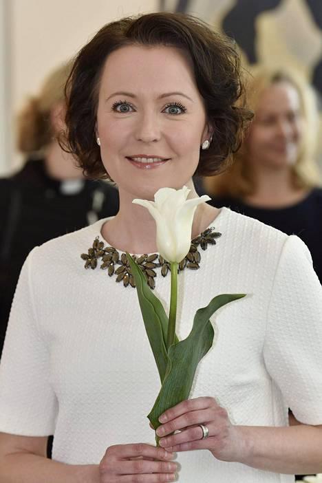 Finland 100-tulppaanin kummitäti on rouva Jenni Haukio.