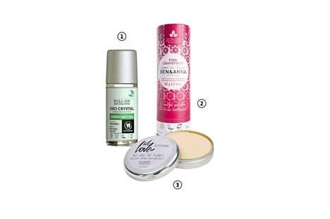 1. Urtekramin Green Matcha -roll-on-dödö ei tahraa, kunhan tuotteen antaa hetken kuivua. Mukana on luonnollisia mineraalisuoloja, 5,90 €. 2. Puikkomainen Ben&Annan deodorantti imeytyy parhaiten, kun voiteen tasoittaa sormin. Pirteän greipin tuoksuinen dödö pitää olon raikkaana, ja tuote on todella riittoisa, 12,90 €. 3. Hypoallergeeninen We Love The Planetin purkkidödö levitetään sormin: tuote levittyy hyvin ja pitää hajut kurissa, 18,50 €.