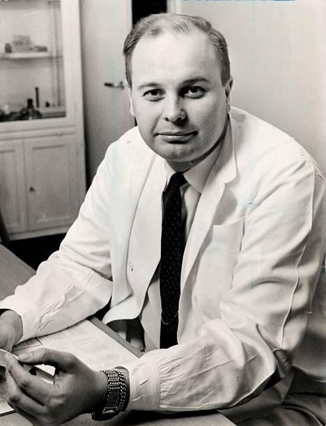 Juhani Kirpilä (1931-1988) teki elämäntyönsä arvostettuna reumalääkärinä.