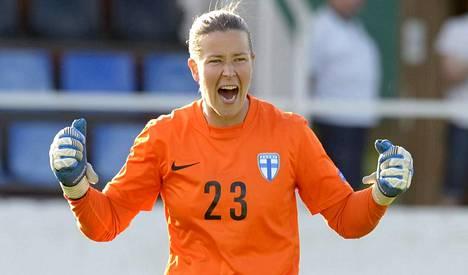Tinja-Riikka Korpela on tänään Saksa–Puola -ottelussa kommentaattorina.