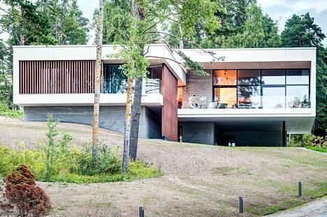 Talon pyyntihinta on nyt 2,95 miljoonaa euroa.
