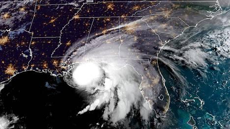 Hurrikaani Sally satelliittikuvassa.