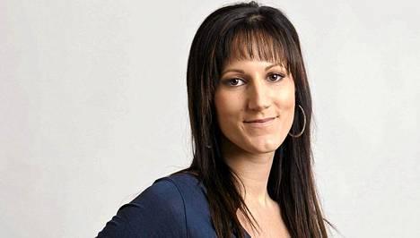 Janina Aro, 24, Jyväskylä. Ammatti: Laulaja ja juontaja