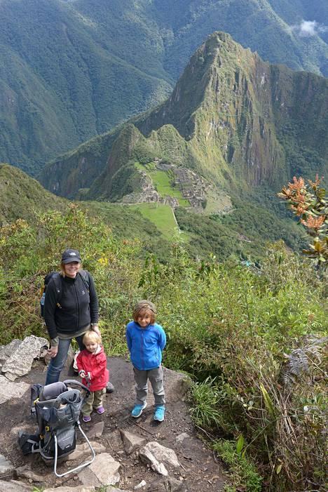 Brasiliassa asuessa sai lomilla reissata eri puolilla Etelä-Amerikkaa. Perun Machu Picchu oli yksi maanosan kohokohdista.