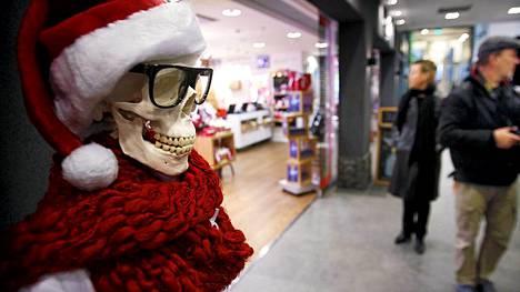 Joulurenkutukset kaupoissa uhkaavat myyjien terveyttä.