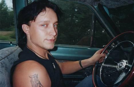 Jannen silmäterä oli jenkkiauto Dodge Dart -64.