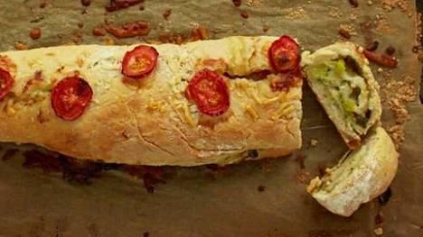 Pizzan ei aina tarvitse olla lätty, kokeile rullaa – mehevöittää taikinan