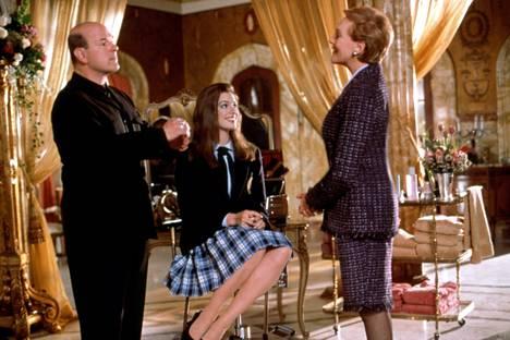 Julie Andrews nähtiin Mian isoäidin, Genovian kuningatar Clarisse Renaldin roolissa. Larry Miller taas esitti kuningattaren vakiostylistiä.