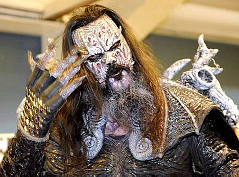 Mr. Lordi, oikealta nimeltään Tomi Putaansuu, tienasi viime vuonna noin 100 000 euroa edellisvuotta vähemmän.