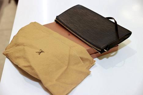 Tärkeää on, että laukussa on tallella kaikki osat ja mieluiten myös kuitti, pakkaus ja suojapussi.
