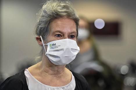 Hanna Nohynek uskoo, että mikäli AstraZenecan rokotteella ja veritulppa-alttiudella olisi syy-yhteys, yhteys olisi jo tullut ilmi Britanniassa annettujen 11 miljoonan rokotuksen perusteella.