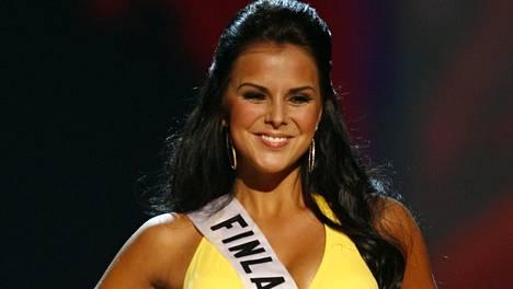 Satu Tuomisto edusti Suomea Miss Universum -kisoissa vuonna 2008.