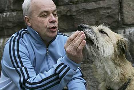 Jyrki Heliskosken aisapari Lyyti-koira toipuu leikkauksesta. Jatko tv-ohjelmassa on vielä auki.