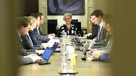 Postin työriidan sovittelu jatkui valtakunnansovittelija Vuokko Piekkalan johdolla sunnuntaina iltapäivällä.