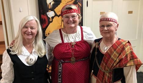 Kalifornian suomalaisia: Ava Anttila (vasemmalla), Pirkko Satola-Weeres ja Marita Tabermann