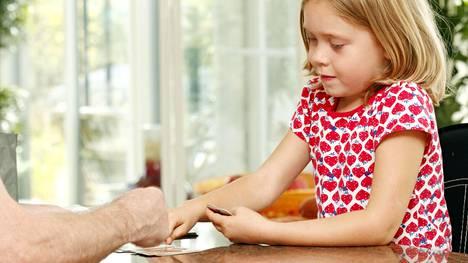 Brittitutkimuksessa mitattiin osallistujien kognitiivisia kykyjä 8 vuoden iässä sekä uudelleen 69–71-vuotiaina.