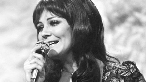 Seija Simola oli äärimmäisen lahjakas, mutta epävarma laulajatähti.