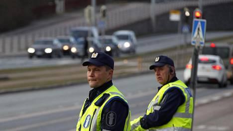 Näin poliisi valvoo pääsiäisliikennettä – tarkastaja paljastaa erityissyynissä olevat yksityiskohdat