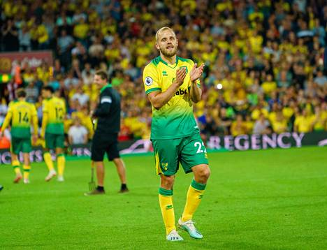 Helpottunut mies. Manchester City kavensi lopussa ja painoi kovaa päälle, mutta Norwich kesti. Pukki oli yksi illan suurimmista sankareista. Hän kiitti kotiyleisöään kannustuksesta.