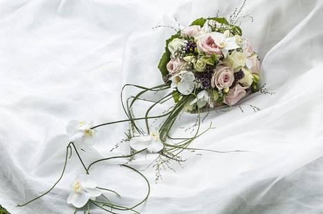 Lopulta naimisiinmeno ei kuitenkaan tuntunut Sallasta oikealta.