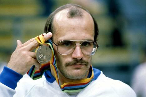 Mikko Huhtala voitti Moskovassa kreikkalais-roomalaisen painin 74-kiloisten sarjan pronssia.