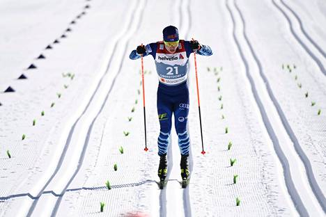 Vuorinen vauhdissa Oberstdorfin MM-kisojen sprinttikarsinnassa. Hän sijoittui kisassa 15:nneksi.