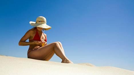 Kilpirauhasen vajaatoimintapotilas voi etelänlomalla hämmentyä, kun vyötärö kapenee reissun aikana.