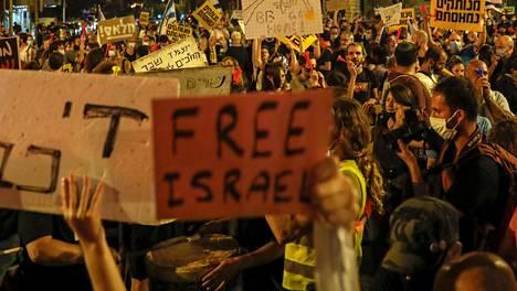 Israelissa protestoitiin Netanjahua vastaan myös lauantaina.