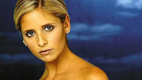 Buffy - vampyyrintappaja -sarjan tähti Sarah Michelle Gellar alkaa filmata uutta sarjaa Ringers.