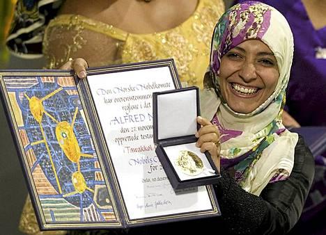 Tawakkol Karman, 32 on jemeniläinen arabikevään aktivisti. Hän on nuorin ja ensimmäinen arabinainen, jolle Nobelin rauhanpalkinto myönnetään.