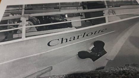 Charlotte-alus joutui Saimaan kanavalla matkalla Suomeen Venäjän tullin yllättävien tarkastusten kohteeksi.