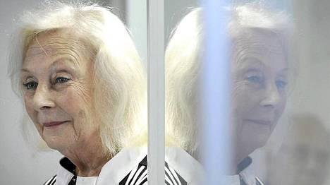 Seela Sella leikkautti nenänsä uransa vuoksi.