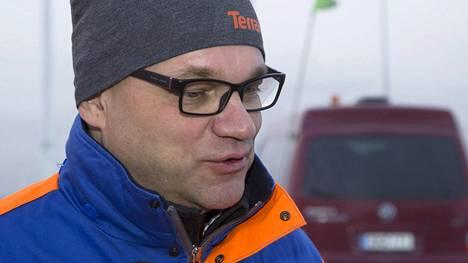Pääministeri Juha Sipilä lähdössä kaivoskierrokselle monimetalliyhtiö Terrafamen kaivokselle Sotkamossa maanantaina 14. marraskuuta 2016.