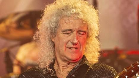 Brian May sai sydänkohtauksen ja joutui sairaalaan.