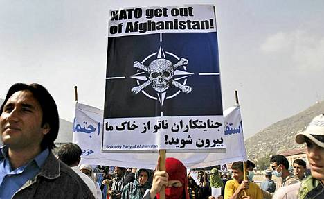 Nato ulos -mielenosoitus keräsi muutamia satoja osanottajia Kabuliin.