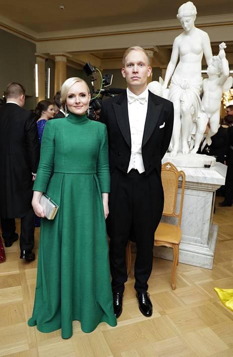 Maria Ohisalo yhdessä puolisonsa Miika Johanssonin kanssa Linnan juhlissa vuonna 2019.