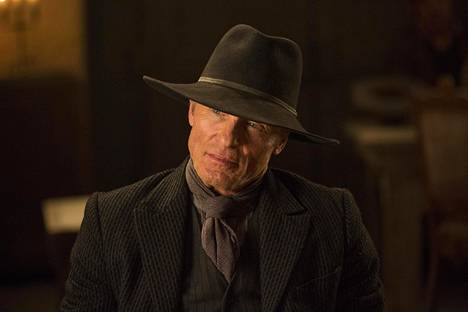 Ed Harris näyttelee mystistä mustiin pukeutuvaa miestä, joka ei kaihda väkivaltaakaan salaisuuksien selvittämiseksi.