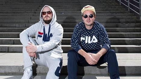 Teflon Brothersin Pyhimys ja Voli, kuvasta puuttuu Heikki Kuula.