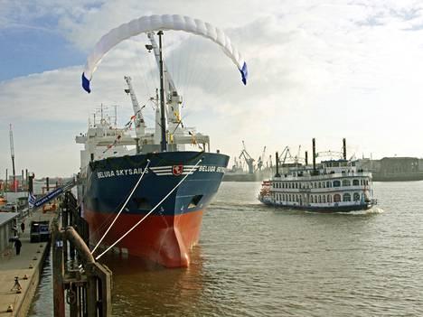 Saksalainen Beluga-varustamo käyttää laivassaan jo vetopurjeita apuvoimana.