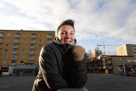 Elina Gustafsson on tottunut hyvin erilaiseen rytmiin kuin hänen puolisonsa Emmi.