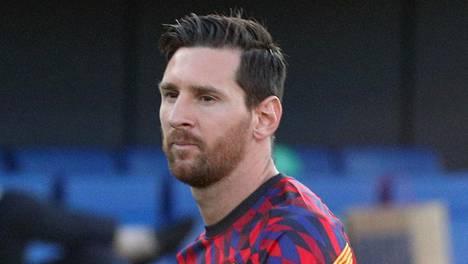 Lionel Messi on ollut tyytymätön Barcelonassa viime aikoina, mutta päätti lopulta jäädä vielä alkavaksi kaudeksi seuraan.