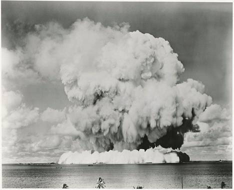 Atomipommitestejä suoritettiin Bikini-atollilla vuonna 1946.