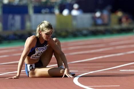 Suzy Favor Hamilton keskeytti Edmontonin MM-kisojen 1500 metrin välierässä 2001.