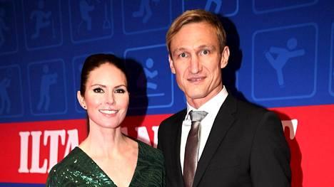 Susanna ja Sami Hyypiä Urheilugaalassa 2020.