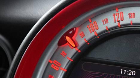 Nopeusrajoitukset muuttuvat valtateillä porrastetusti.