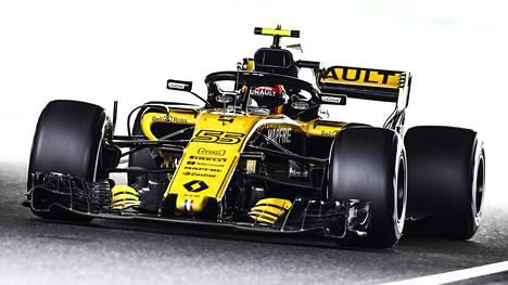 """F1-tallin pomo pelkää moottorivalmistajien puolesta: """"Tämä on kestämätöntä"""""""