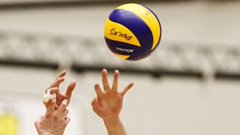 Miesten lentopallofinaaleihin aikataulumuutoksia – kulttuurikilpailu Sastamalassa muuttaa pelipäiviä