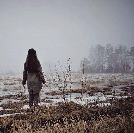 Introvertiksi itseään kutsuva Sanni Harra saa energiaa luonnosta.