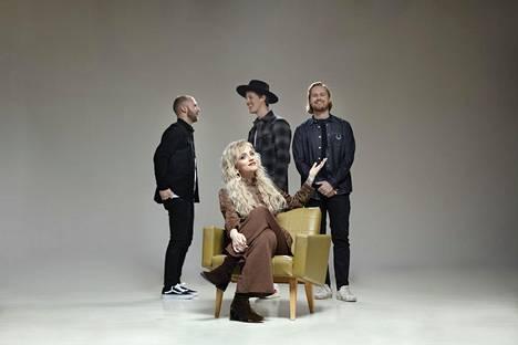 Haloo Helsinki! suunnittelee paluuta keikkalavoille vuonna 2021. Yhtye työstää parhaillaan myös seitsemättä studioalbumiaan.